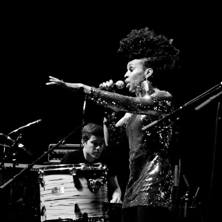 Flo_Performance_Lauryn_Hill_Show1