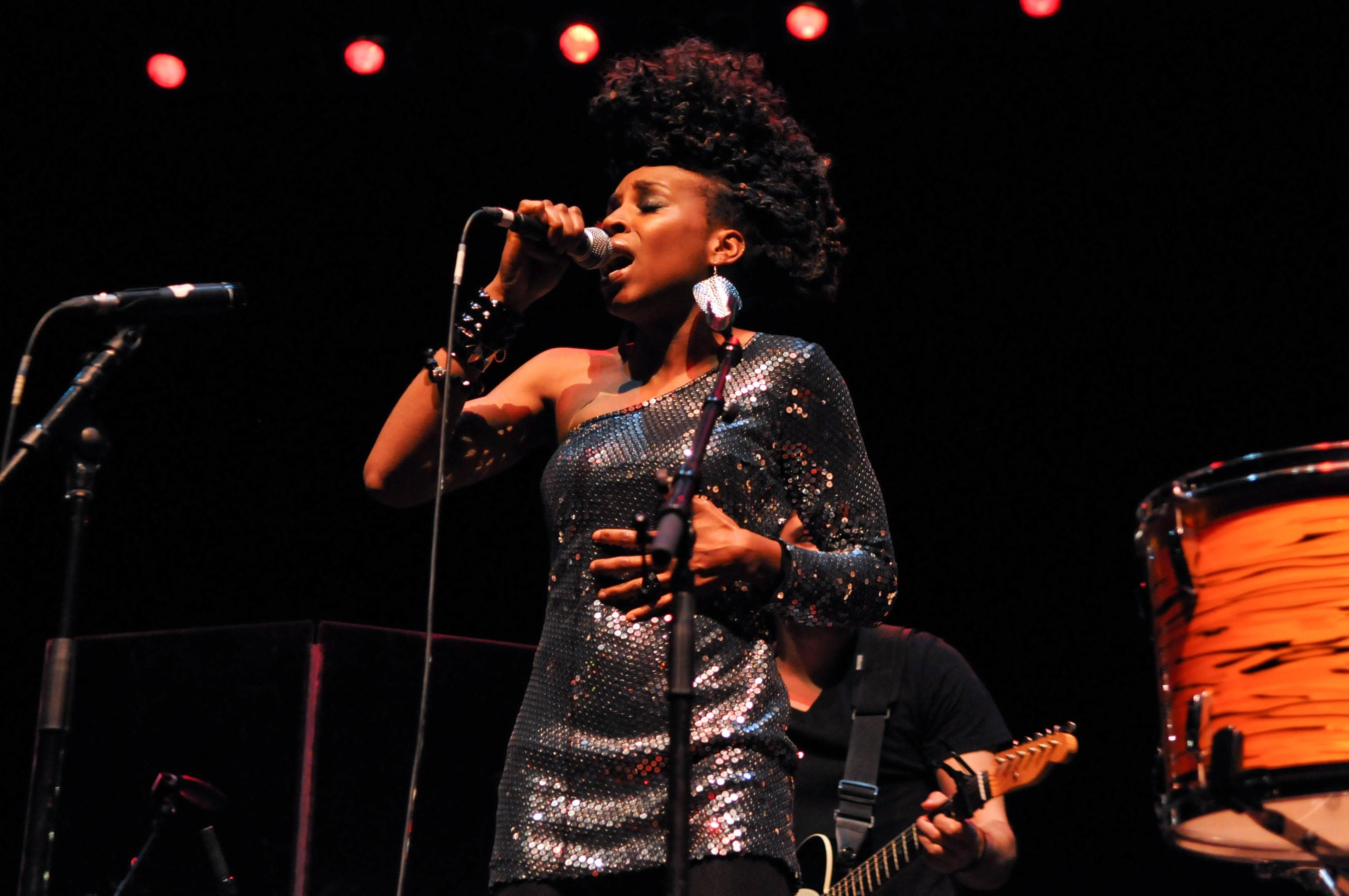 Flo_Performance_Lauryn_Hill_Show2